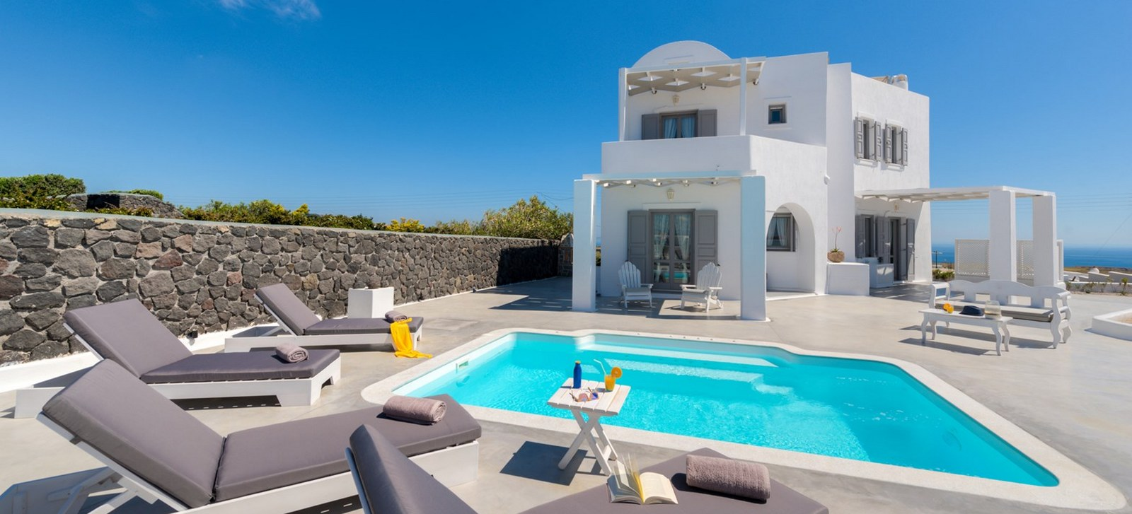 Hemera Holiday Home villa in Santorini